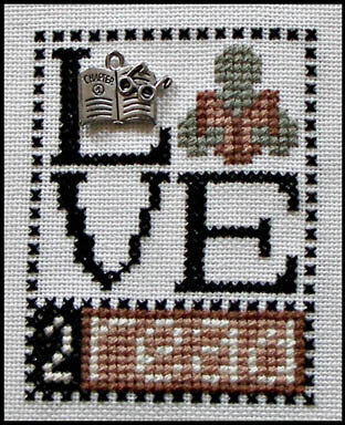 Love 2 Read (w/charm) - Cross Stitch Pattern
