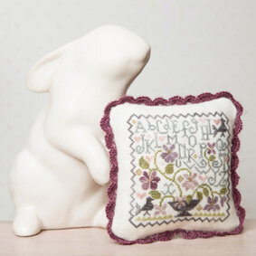 Alphabet Violette - Cross Stitch Pattern