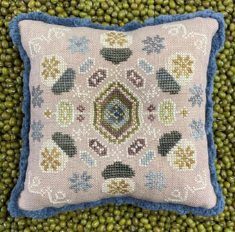 Winter Acorns - Cross Stitch Pattern