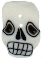 Small Spooky Skull - Button