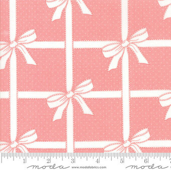 Bonnie Camille Vintage Holiday Wrapped Pink - Yardage