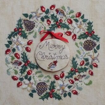 Robin's Christmas Wreath - Cross Stitch Pattern