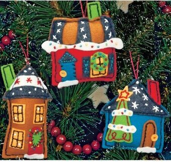 Holiday Homes Christmas Ornaments - Felt Applique Kit