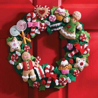 cookies and candy wreath felt applique kit