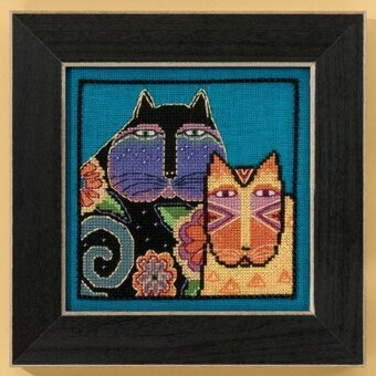 Feline Friends (Linen) - Cross Stitch Kit