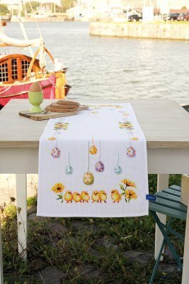 S Eggs Table Runner Cross Sch Kit By Vervaco Includes 11 Ct White Pre Finished Aida Pattern Floss Needle And Instructions