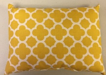 "Quatrafoil Mustard Pillow Form 9""x12"""
