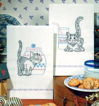 Kittens Kitchen Towels - Stamped Embroidery Kit