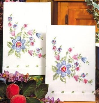 Serenade Kitchen Towels - Stamped Embroidery Kit
