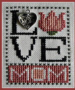 Love Mom (w/charm) Cross Stitch Pattern