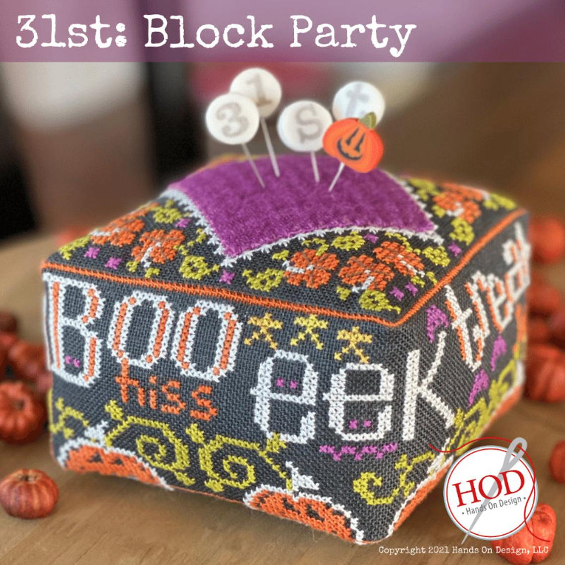 hd234 25th Hands On Design Block Party Pincushion